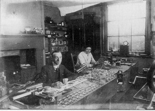 Carreau's shop